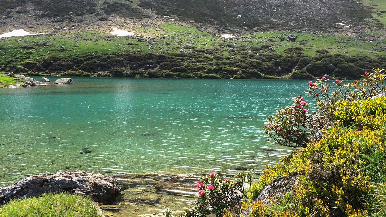 Hautes pyrénées lac d'Ourec