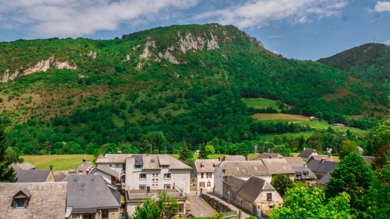 Vue du village de Beaudéan