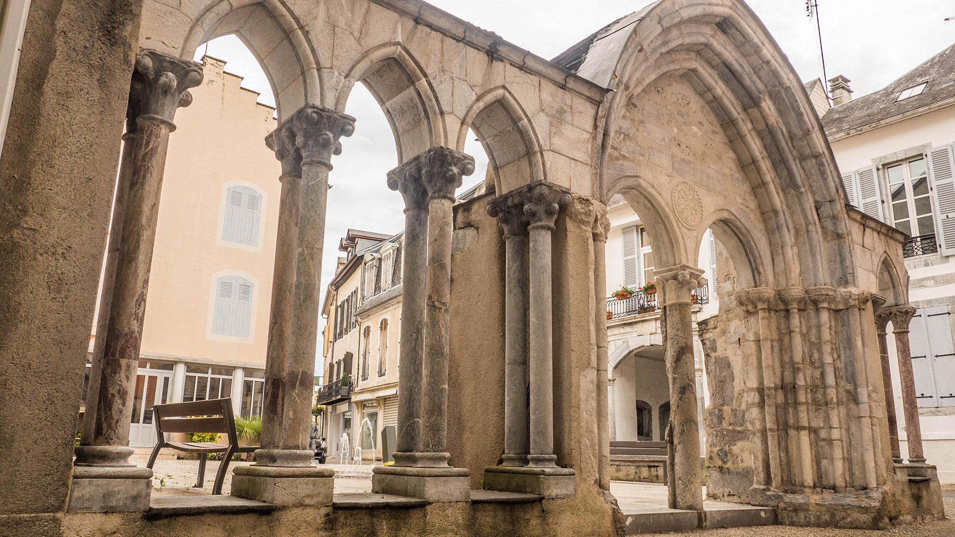 arches ville de bagneres