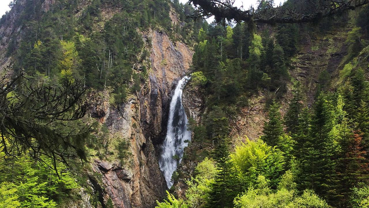 cascade randonnée du lac d'ourec