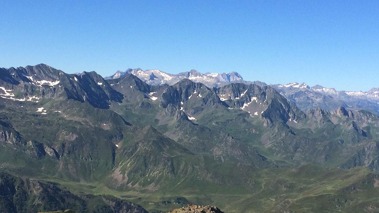 vue panoramique en haut du Montaigu