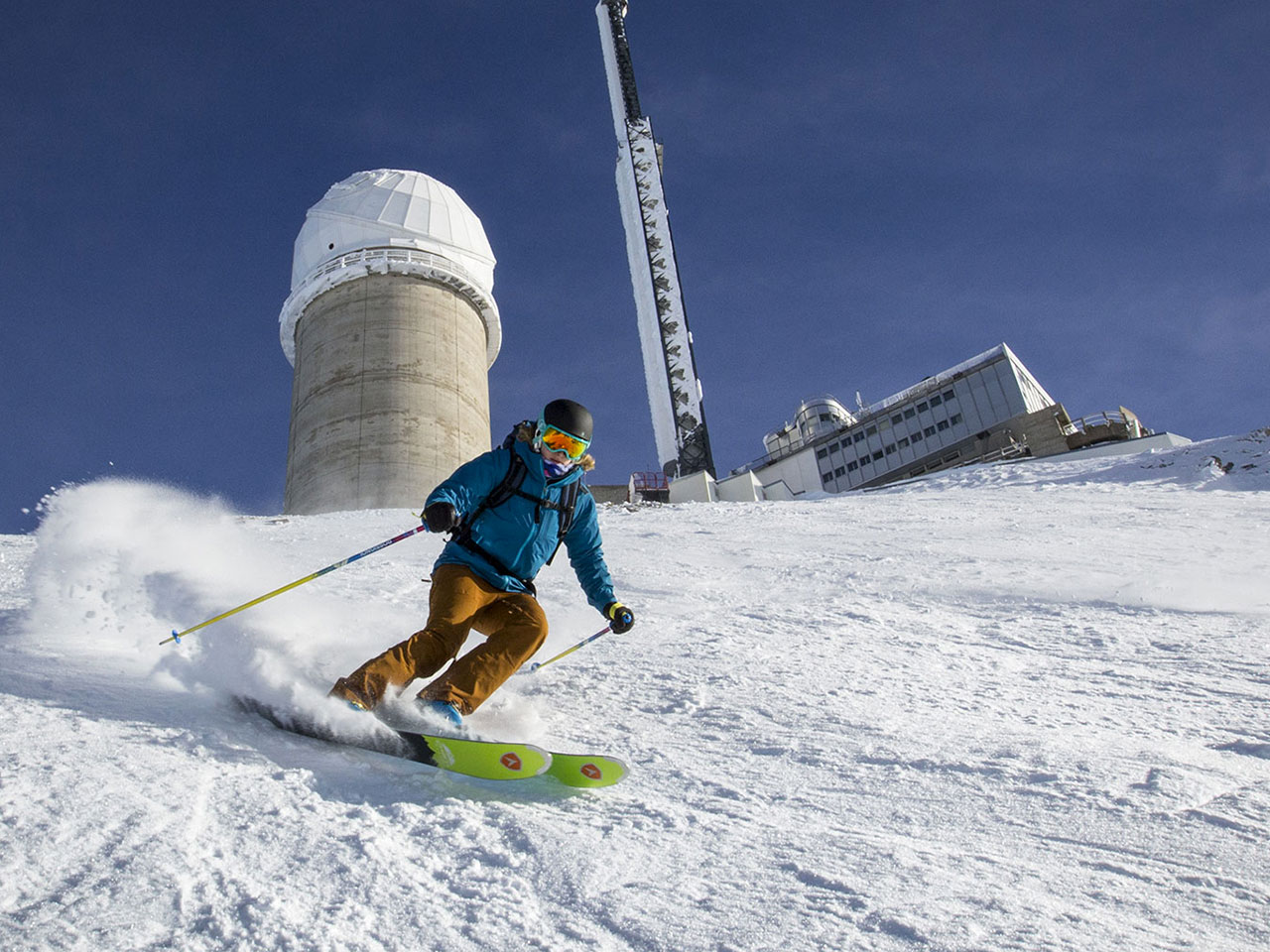 skieur au Pic du Midi