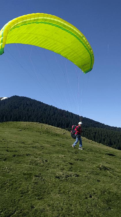 Parapente : Le paradis du «hike and fly»
